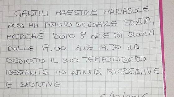 """""""Basta compiti, dopo scuola si deve giocare"""": la giustificazione di una mamma di Milano fa discutere"""