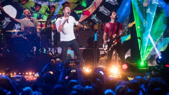 Concerti Coldplay: sold out con polemica su Ticketone