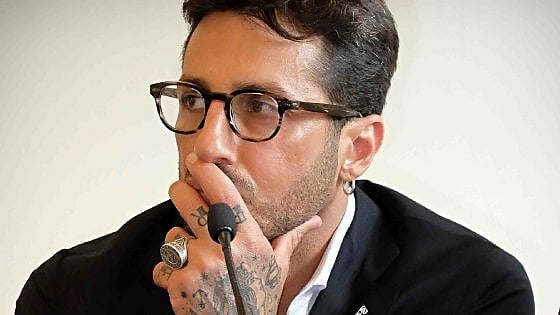 Fabrizio Corona, tribunale gli sequestra 1,7 milioni di euro: