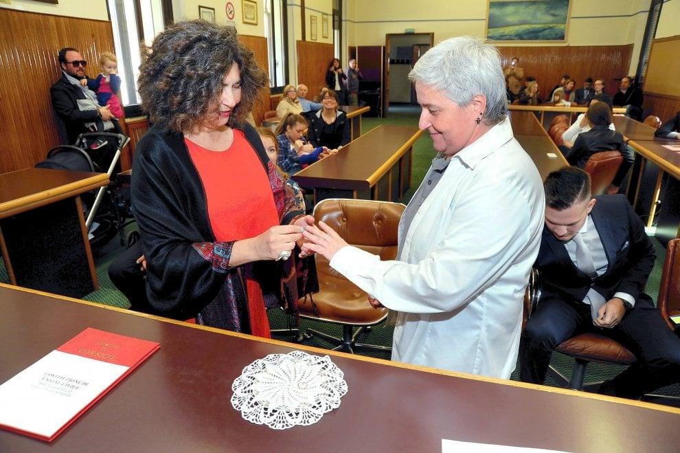 Corsico, prima unione civile celebrata dall'assessore perché il sindaco è obiettore
