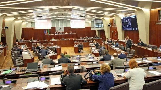 """Lombardia, la Regione annulla le sedute: """"Non abbiamo niente da fare, la giunta non ci dà lavoro"""""""