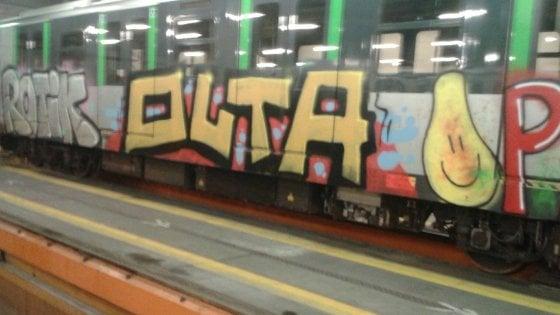 Milano, caccia ai writer senza confini: blitz dei vigili in Europa contro l'internazionale dei graffiti