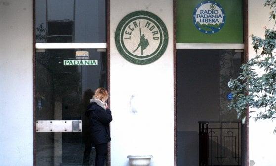 Lega sempre più in crisi, ora cede Radio Padania al patron (calabrese) di Rtl