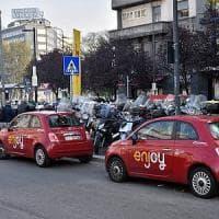 Milano, car sharing ancora nel mirino: il 'ladro di Enjoy' finisce in manette