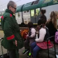 Milano, il treno riparte senza la mamma: bimbi di 3 e 5 anni scortati dai