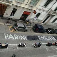 """Milano, non c'è pace per la scritta del Parini: dopo il blitz diventa """"fascista"""""""