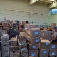 Brescia, sequestrata montagna di unghie finte ed extension: illegali 720mila articoli