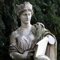Amputato e rubato il braccio dell'Italia turrita al parco Montanelli