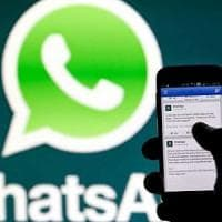 Sicurezza, l'sos a Milano viaggia su WhatsApp: negoziante fa arrestare due ladri di carte...