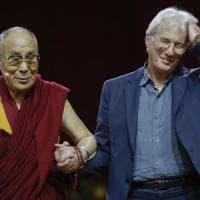 Milano, Richard Gere all'incontro con il Dalai Lama:
