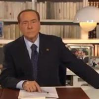 Referendum, Berlusconi alza i toni contro Renzi: