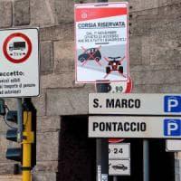 Milano, stop alle microcar nelle Ztl e nelle corsie preferenziali