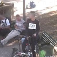 Milano, spaccio a cielo aperto nel parco di via Padova: tre arresti