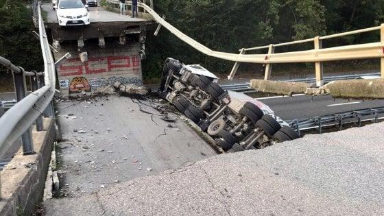 Lecco, crolla un cavalcavia sulla statale 36: tir travolge due auto. Un morto e cinque feriti
