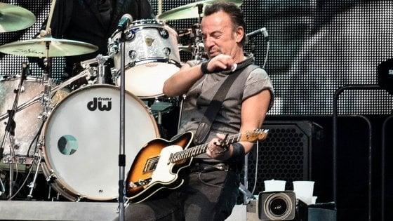 Bagarinaggio online per i concerti di Springsteen e Coldplay: Milano apre l'inchiesta