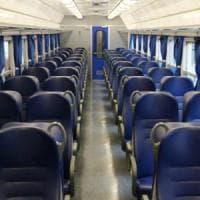 Cremona, 54enne accoltellata alle spalle e ferita alla gola sul treno: è grave