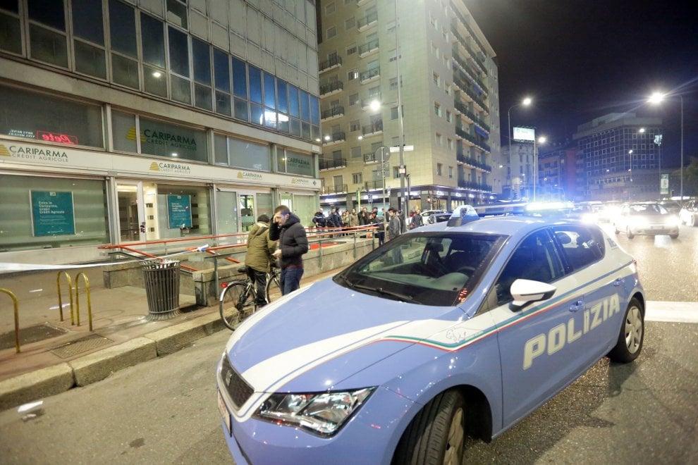 Milano, 37enne ferito alla schiena e alle gambe in piazzale Loreto: il luogo dell'agguato
