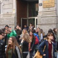 Milano, ecco le scuole che trovano lavoro. Tra Parini e Berchet, spunta la paritaria Sacro...