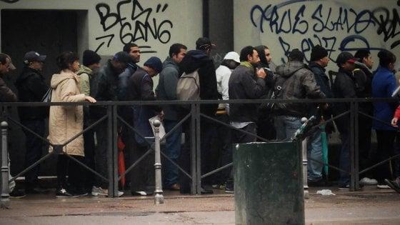Rapporto Caritas sulla povertà Milano, sempre più italiani hanno bisogno di aiuto