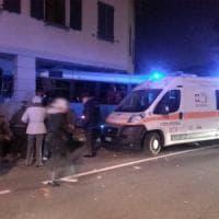 Brianza, autobus finisce contro la vetrina di un bar e la sfonda: una decina di feriti