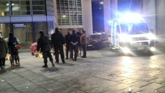 Rissa a coltellate, pm chiede la convalida degli arresti per 5 ragazzi