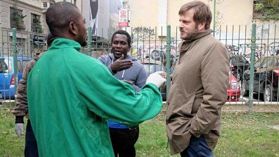 """Accoglienza dei profughi a Milano, lettera di minacce all'assessore Majorino: """"La pagherai cara"""""""