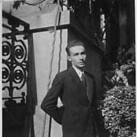 L'uomo, il testimone, lo scrittore: i mondi di Primo Levi in mostra a Milano