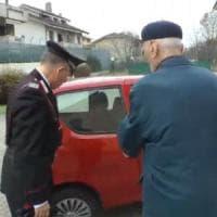 Truffa dello specchietto, 80enne raggirato a Milano: due arresti
