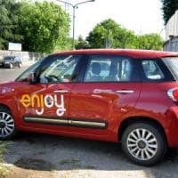 Milano, presi i 4 della banda del car sharing: l'Enjoy rubata anche per