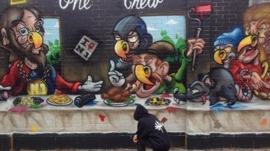 Street art, l'Ultima cena in chiave pop: il maxi murale in zona Navigli