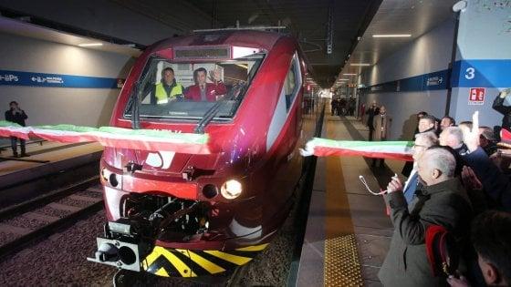 Rivoluzione nell'aeroporto di Malpensa, inaugurato il trenino che collega T1 e T2