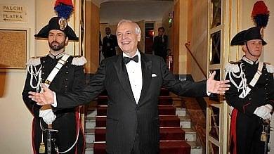 """Prima Scala, Pereira: """"Siamo nel cuore   foto   dell'Italia, ora tutti si ammaleranno di lirica""""   Video  I terremotati nel palco d'onore"""