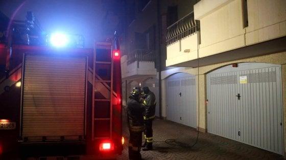 Appartamento a fuoco, uomo di 48 anni muore nel sonno