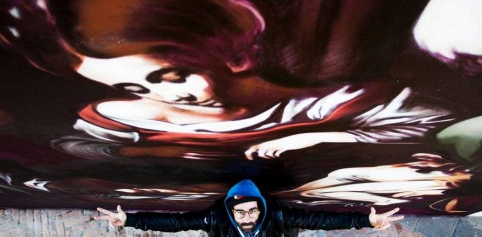 Caravaggio, street artist varesino riproduce l'opera trafugata dalla mafia sui muri di Messina