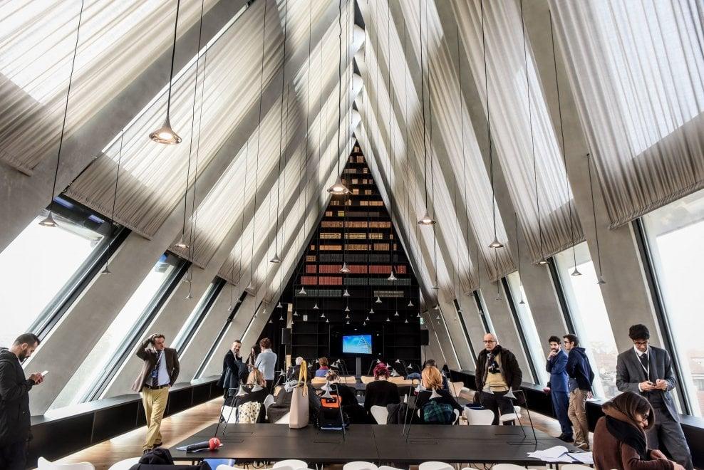 Milano: Apre la FOndazione Feltrinelli...