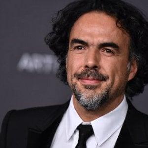 Milano, la provocazione di Iñárritu: portare il relitto dei migranti in piazza Duomo