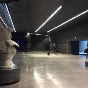 Malpensa, i passeggeri accolti dalle sculture monumentali di Pugliese