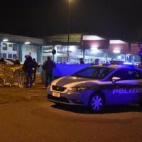 Milano, polizia scientifica sul luogo della sparatoria a Sesto San Giovanni