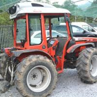 Pavia, specialista in furti di trattori arrestato in casa: si era nascosto nell'armadio