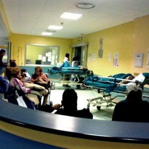 Influenza, sos negli ospedali della Lombardia. Da febbraio vaccini scontati contro la meningite