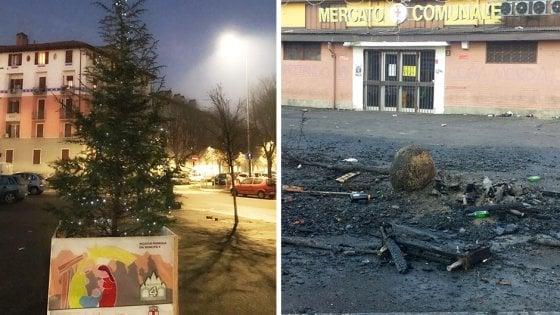 """Milano, a fuoco l'albero di Natale al Corvetto: """"Un gesto pianificato e inquietante"""""""