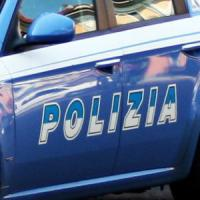 Varese, sequestra la compagna in casa e la picchia per una settimana: arrestato 43enne