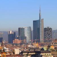 Smog a Milano, il vento forte riporta il Pm10 nei limiti. Per l'Epifania cielo sereno ma arriva il gelo