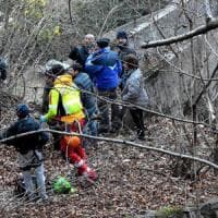 Valchiavenna, esce per cercare legna: precipita in una scarpata e muore