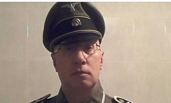 Monza, il comandante dei vigili si veste con divisa da Ss