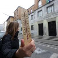 Tredici gradi al Parini e 11 al Moreschi: a Milano scuole chiuse per il freddo, studenti rimandati a casa
