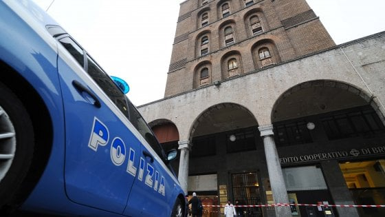 Brescia: donna decapitata trovata nella tromba delle scale
