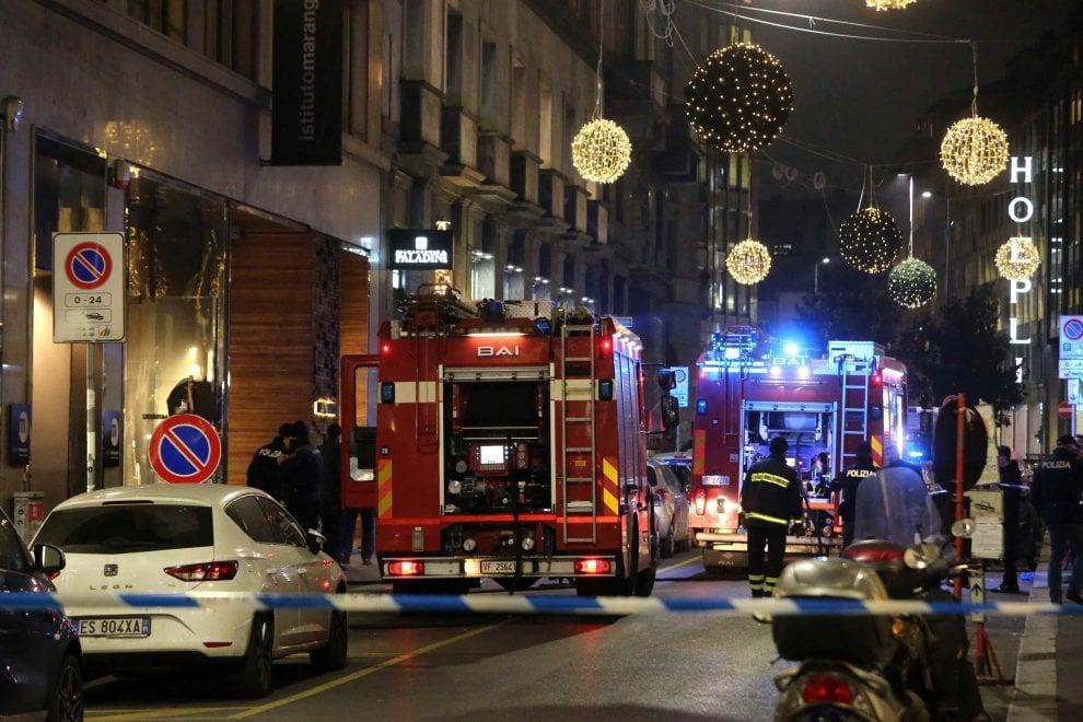 Milano fiamme nel cortile dell 39 istituto marangoni 1 di for Via marangoni milano