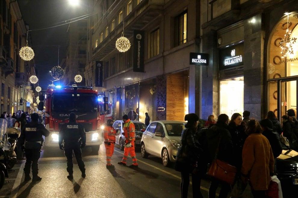 Milano fiamme nel cortile dell 39 istituto marangoni 1 di for Istituto marangoni di milano