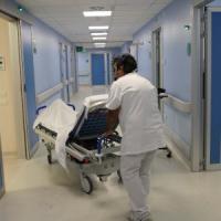 Meningite, primo caso a Mantova: ricoverata una 78enne, profilassi per i familiari